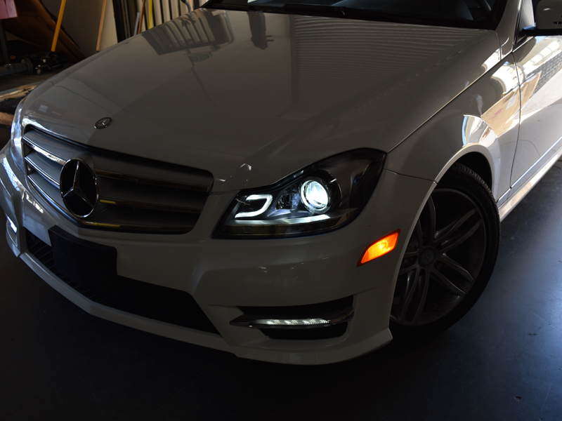 Depo 12 14 mercedes w204 c class c63 amg style projector for Mercedes benz c300 headlight bulb
